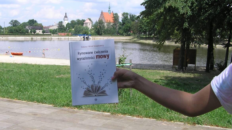 Zabierz książkę na wakacje! Dobra książka na wakacje, to lepsze wakacje!